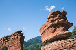 garden of the gods balanced rock