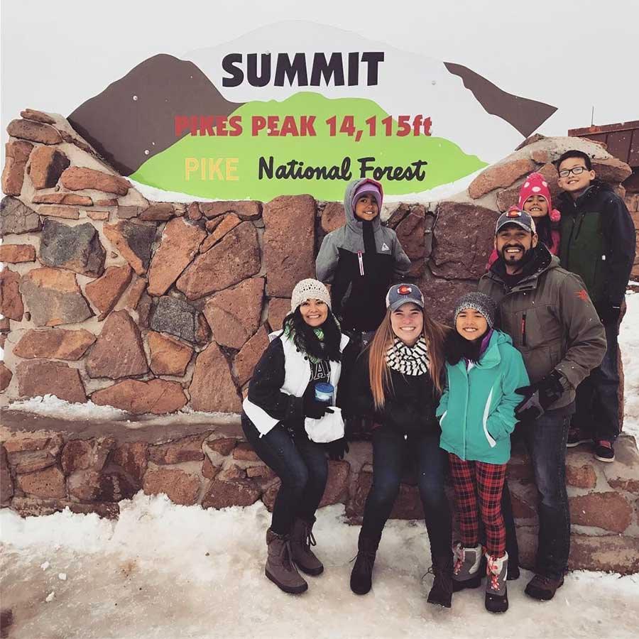 Pikes-Peak-Summit-Sign-Family