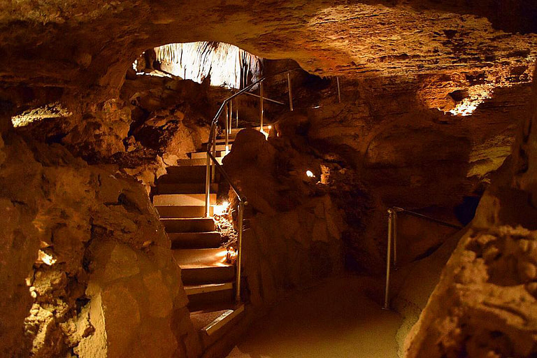 Cave-of-the-Winds-Tour