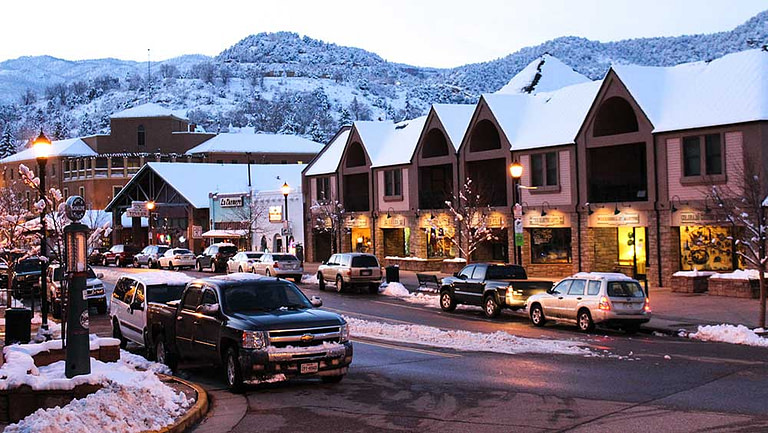 Manitou Springs shopping with snow