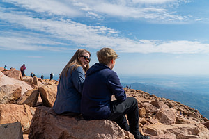 pikes peak mountain family laughing