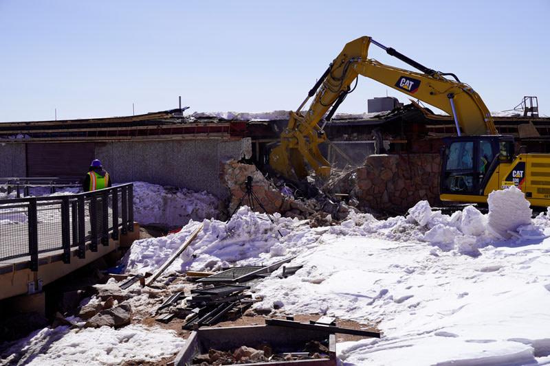 summit house being taken down
