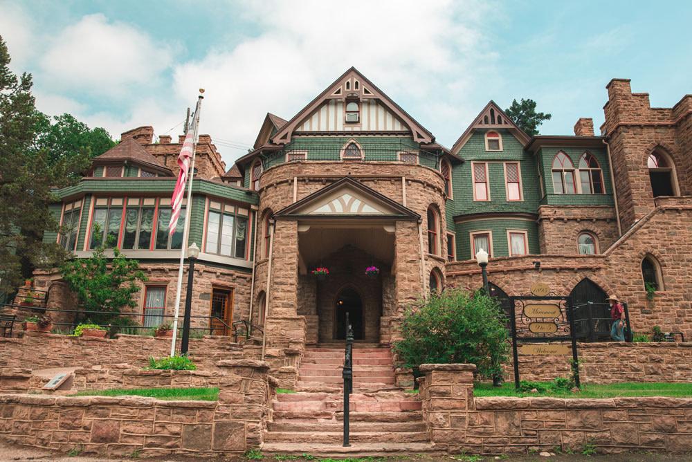 miramont castle entrance