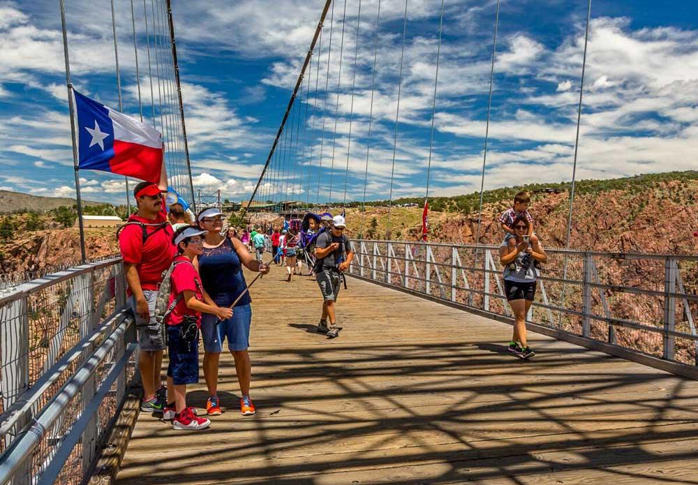 royal gorge bridge family selfie