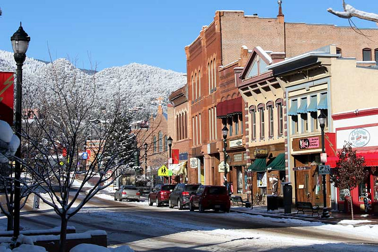 snow-in-manitou-springs
